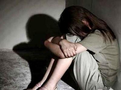 Phân biệt tội hiếp dâm trẻ em và tội giao cấu với trẻ em